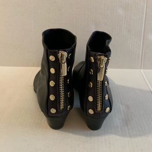 Vince camuto black ankle boots size 8 1/2 M